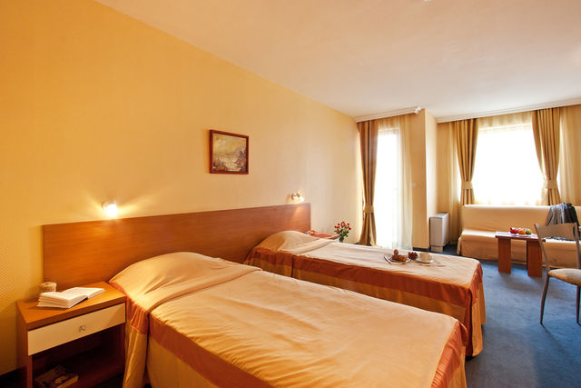 St.George hotel - dbl room deluxe sea view (sgl use)